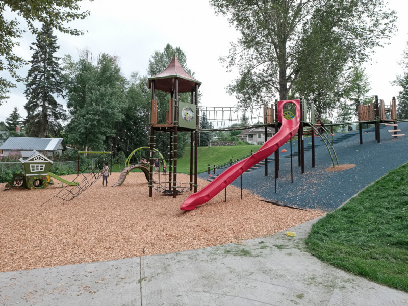 playground-equipment1