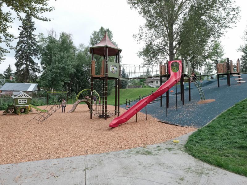 playground-equipment1